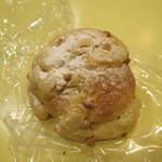コープのパン屋さん - 料理写真:キャラメル&レーズンパン
