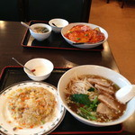 rakuen - 中華飯にチャーシューメン+チャーハンセット