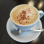ル ピニョン - カフェ カプチーノ