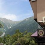 21291720 - アルプスの雄大な山々が目の前に!!