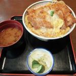 ときわ - かつ丼お味噌汁つき(1000円)