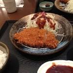 とんかつ 和幸 - ロースカツ定食。 ¥1260円也。