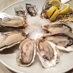 オイスタープレート - 北海道は厚岸の牡蠣を筆頭に、同じ北海道産を1種、岩手産1種、オーストラリア産1種の合計4種8個!!