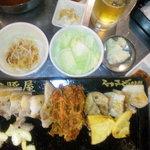 韓豚屋 - サムギョプサルとオギョプサルのセット・焼き上がり