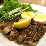 maru - タイ風スパイシーチキンと煮卵とごはん(2009/6)