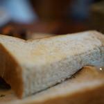 まちのパーラー - トーストのアップ