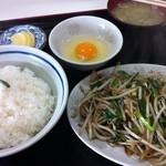 木村屋ラーメン - 肉ニラ炒め定食500円