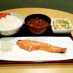 全員酒豪 - 【ランチ】焼鮭定食 780円