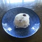 山ノ内製菓本舗  - 塩豆大福お裾分け頂戴しました。ふわふわでちょっぴり塩味・・・美味いです。