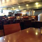 泰元食堂 - 林神龍 泰元食堂 店内 13時近くなるとやっと空いてきます