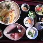 ゆずや - 天さる蕎麦と手巻き寿司御膳 全景