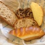 ラ・フーガス - お代わりパン