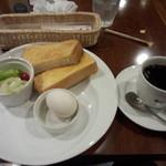 エスタシオンカフェ 新神戸 - トーストモーニング 550円