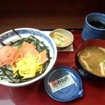 ザ・どん JR神戸駅店 - (日替り)さけトロサーモン汁セット 630円