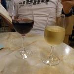 21315165 - 白ワイン&赤ワイン