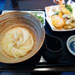 Kuu - 生醤油うどん、天盛り(1130円)