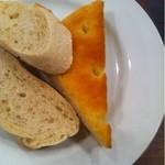 洋食喫茶 犇屋 - セットのパン