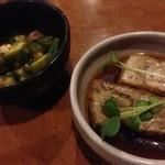 yakitorirobatayakigenki - 突出しはオクラの梅肉和え様&厚揚げの醤油煮様~