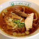 千草 - 透明感あるスープの「らーめん」600円