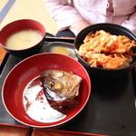 みなと食堂 - かき揚げ丼