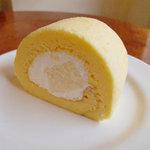 パパジョンズカフェ - チーズロールケーキ(プレーン)01