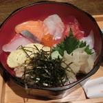 21320507 - ランチ・おばん菜御膳の『海鮮丼』