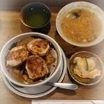 王ろじ - とん丼 豚汁