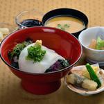 天然美景ビュースカイラウンジ - 名物二代目イカ丼!おすすめですよ~
