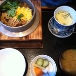 どんどん - 料理写真:ランチの釜飯セット930円