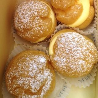 アルプス洋菓子店 駒込店 - シュークリーム  正統派洋菓子店、アルプスのシュークリーム(≧∇≦)美味しくて食べるのがもったいないわ´д`