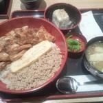 鳥まつ - きじ焼き丼¥500(開店SALE価格・通常¥650)