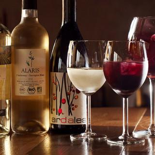 オーガニックワインをはじめ、豊富なドリンク類