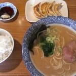 Okinawamiyakojimaramenappare - 豚骨醤油ラーメン600円に餃子小ライス80円