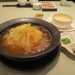 21340632 - 砂鍋魚翅麺(ふかひれ姿煮 丼ぶり)