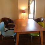 cafe Gaya - 4人掛けのテーブル席