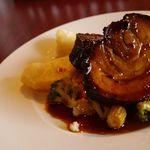 フランス家庭料理  グランダミ - ランチのメインはお昼から、お肉料理もしっかりボリュームでご用意♪これで¥1890-!お得です♪