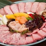焼肉さくら亭 - 「さくら亭上5人前」9500円 上タン、上カルビ、上ロース、上ミノ、レバ、野菜焼き。3人前6000円もございます。