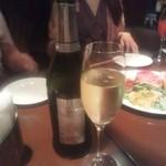 オステリア・クアトロ - スパークリングワイン