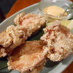 マングローブ - タイ風 鶏の唐揚げ チリマヨネーズソースで