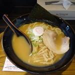 麺や 越 - 料理写真:ラーメン680円