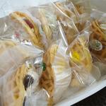 こばやし菓子舗 - ソフトワッフル(各126円)