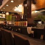 串揚げ料理 みや田 - 一人でも気軽に座れるカウンター席もあります