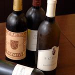 旨食上酒 恵比寿 まんまる - ワインの種類も豊富です