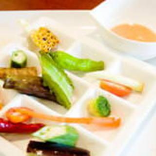 糸島の自家農園で採れた野菜をふんだんに使用!
