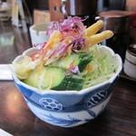 亜希 - バーベキューにつくサラダ