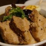 スープカリー スアゲ プラス - 角煮+ラム+セセリ+イカスミスープ