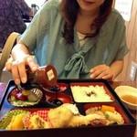 21373407 - お刺身は、名古屋らしく「たまり醤油」です