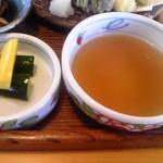 蕎麦の茶屋 丸山 - お新香 & 天つゆ