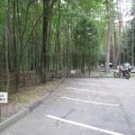 シャトレーゼ - 駐車場はとても広いです。