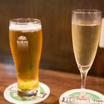 ユーロバル マテーラ - ハートランド生 550円、スパークリングワイン 600円